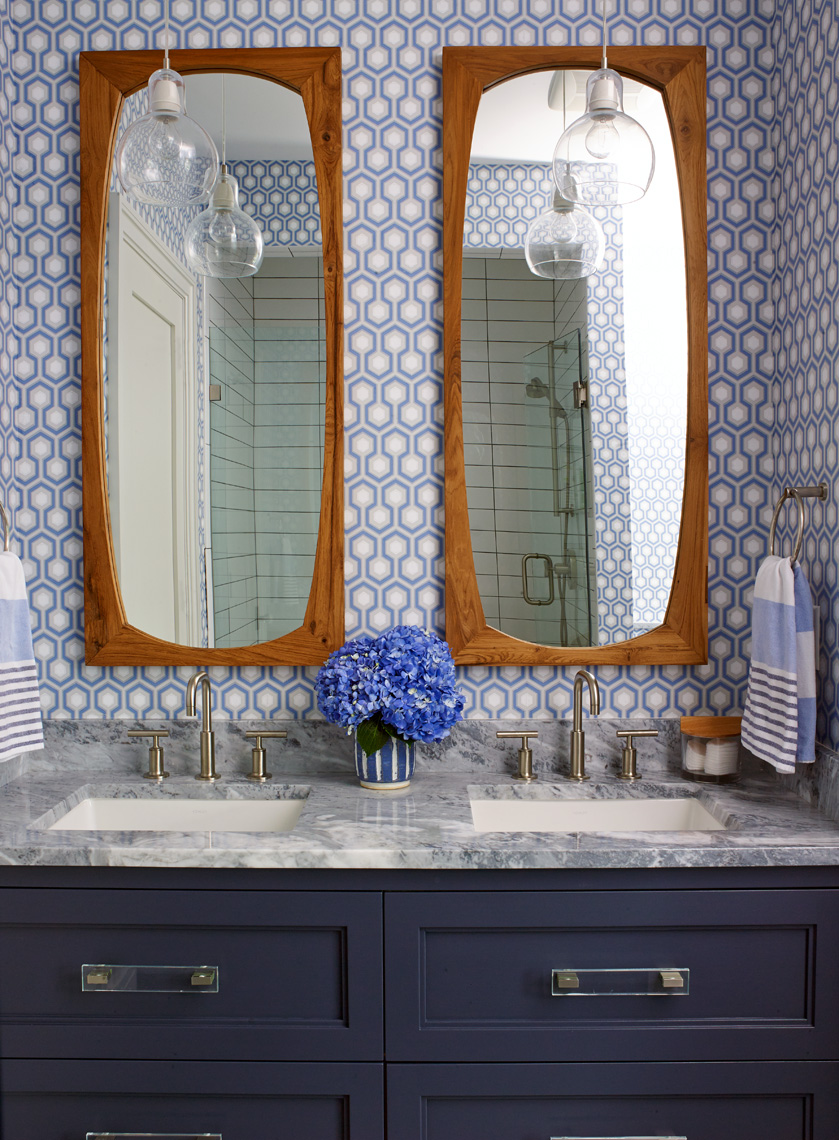 ARowley_HGTV_Hogue_WestportCT_Bathroom49124ret_APF