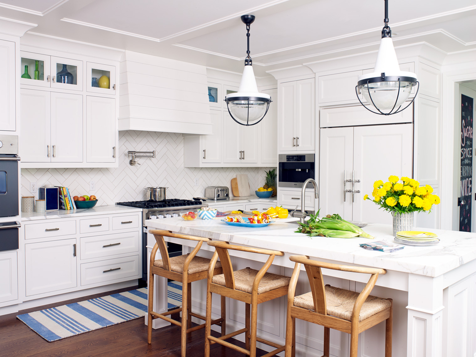 ARowley_HGTV_Hogue_WestportCT_Kitchen48728_ret_APF