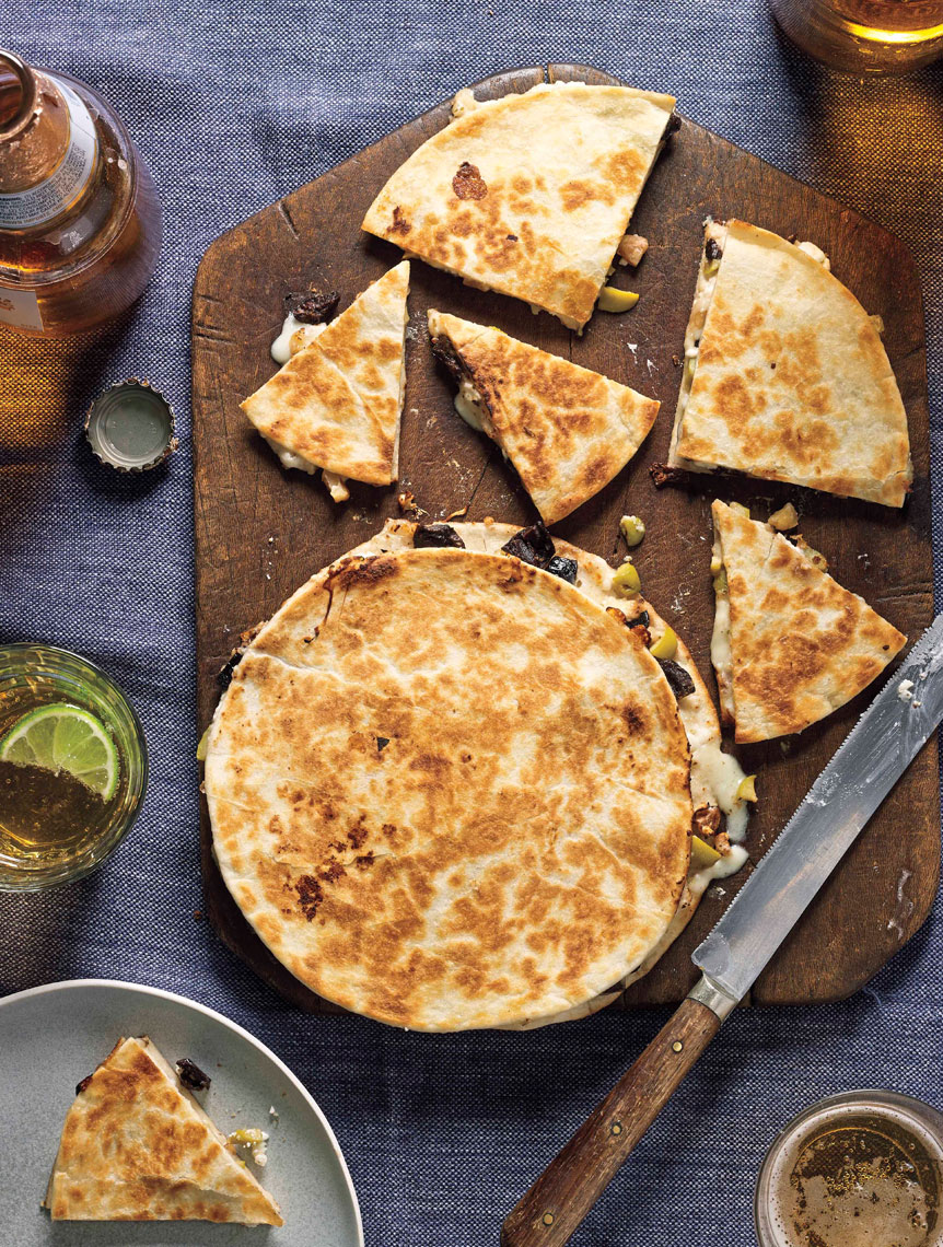ARowley_WW_FlavorPopBook_US_NutsandOliveQuesadillas_0521_ARcrop_APF.