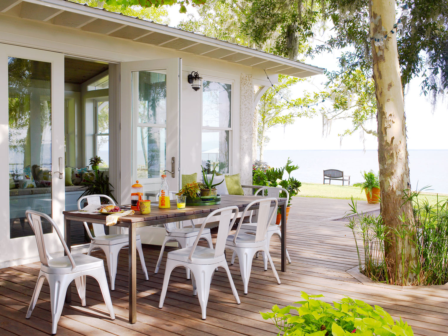 HGTV_Brooks_FL_OutdoorDining-0011Retouched_APF